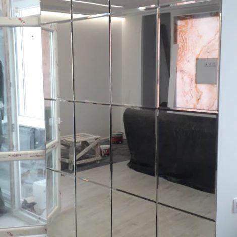 Зеркальное пано в ЖК «Паруса»