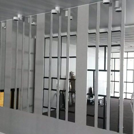 Зеркала в интерьере офиса «Росвик»